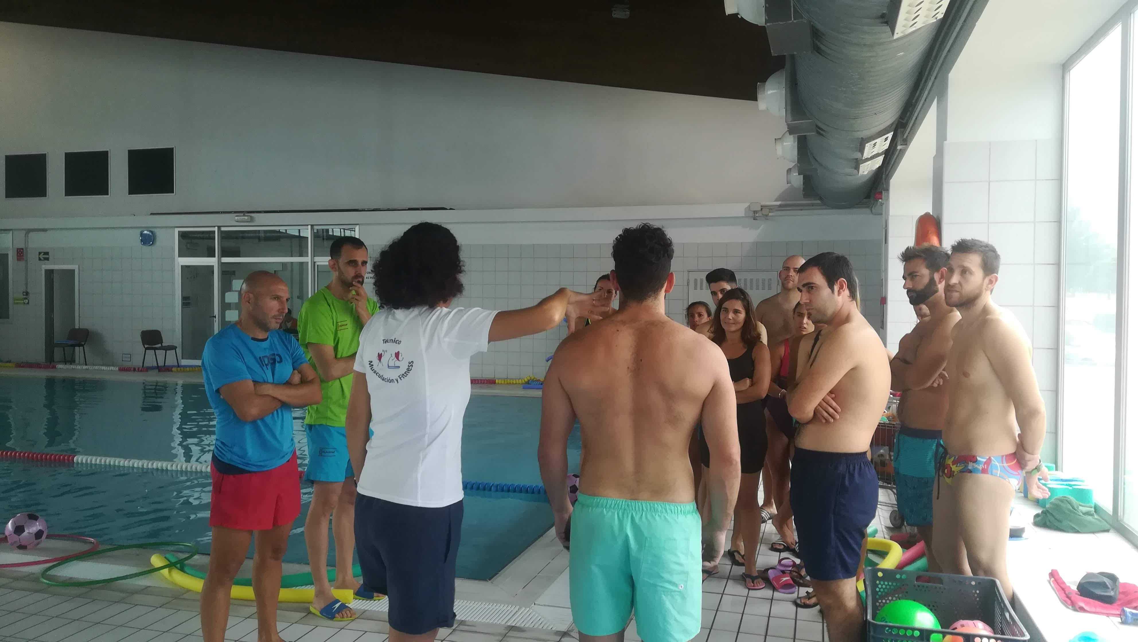natación terapéutica para la salud de la columna vertebral