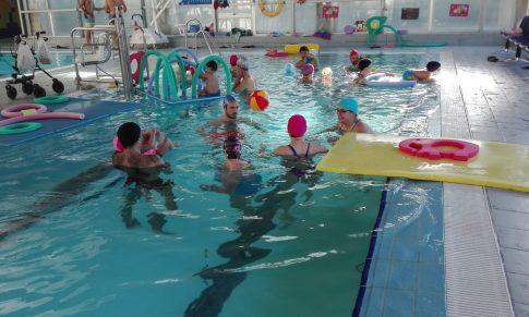 Atención Temprana Acuática: Hidroterapia vista desde las Actividades Lúdico-Educativas para la Mejora del Desarrollo Infantil